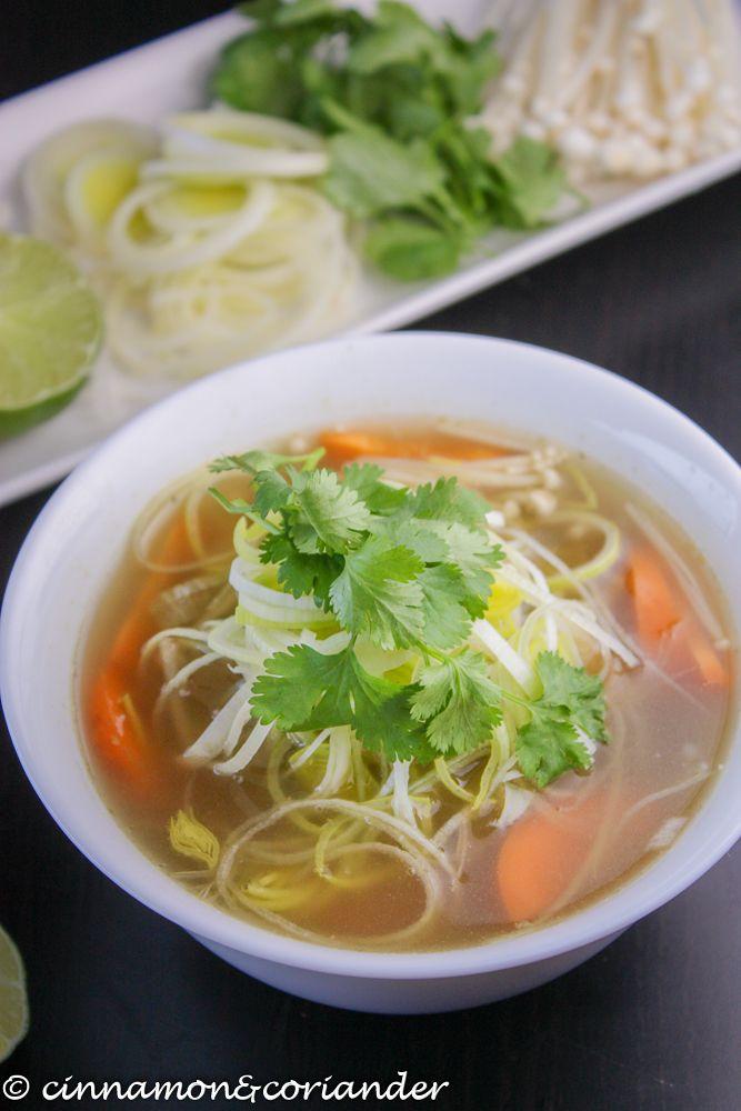 vegane vietnamesische Nudelsuppe Pho