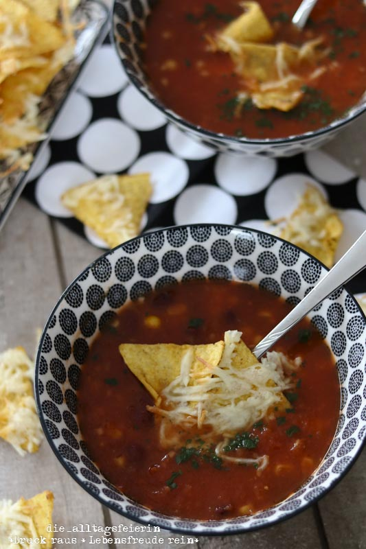 Tex-Mex-Suppe mit Tortillachips